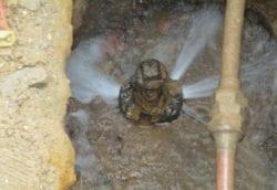 Leaking wet tap