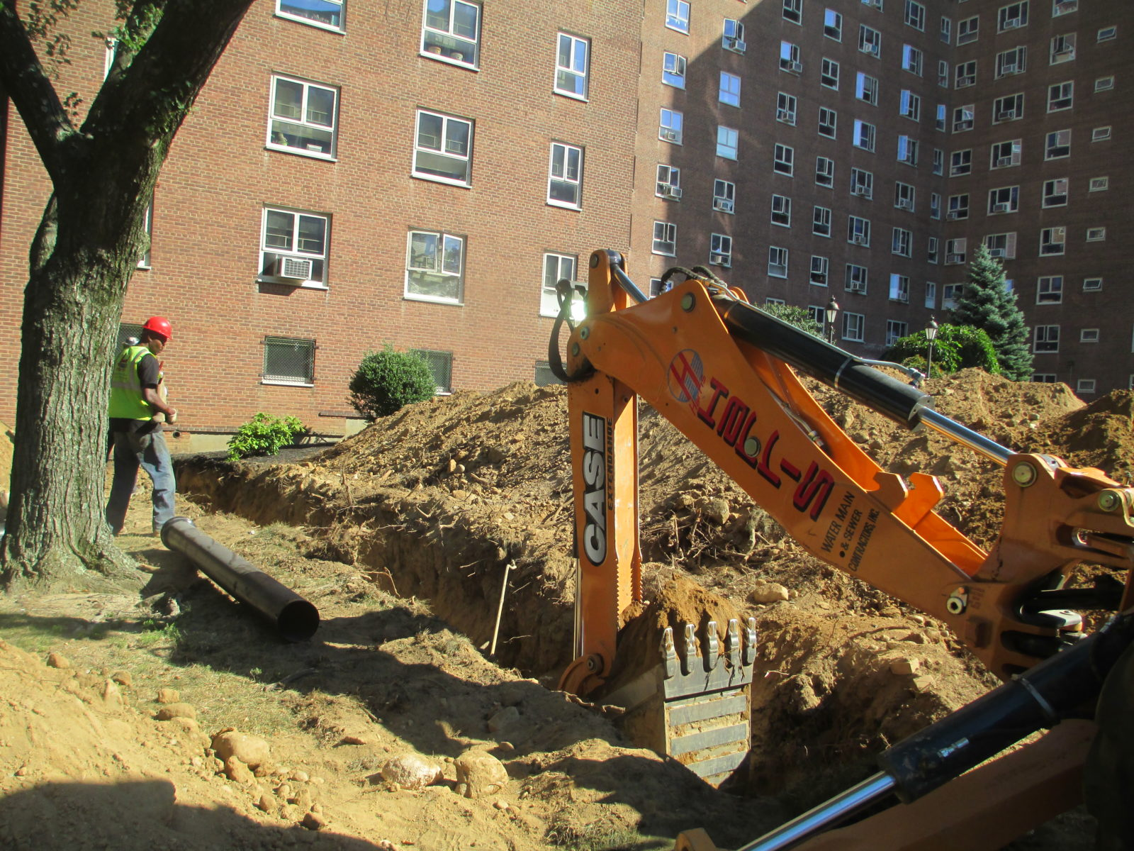 how to fix a broken water pipe underground