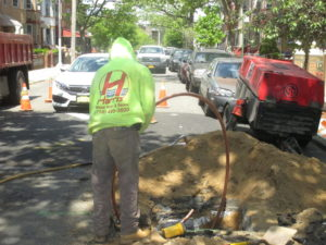 Queens water main installation