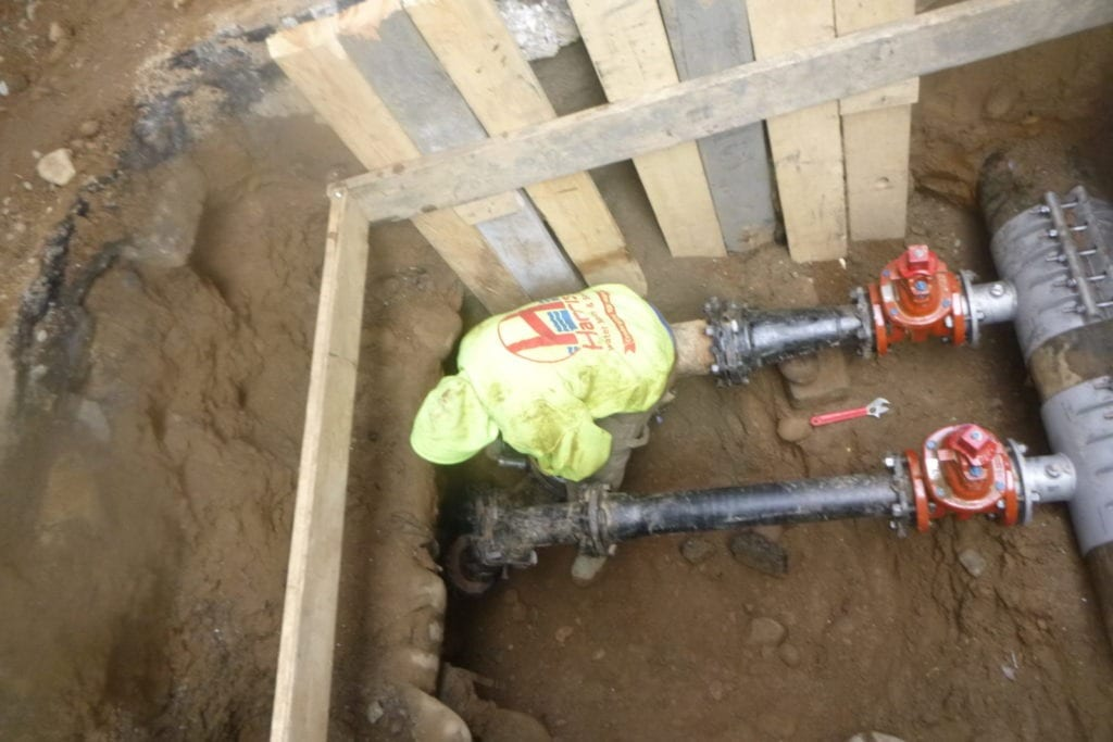Installing a new water main in Manhattan